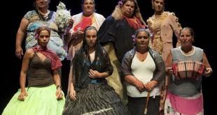 Actrices gitanas, en la representación de «La Casa de Bernarda Alba» / ABC