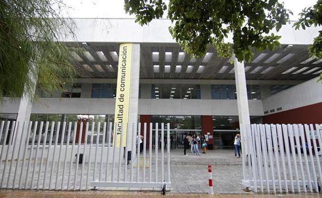 Facultad de comunicación / V. Gómez