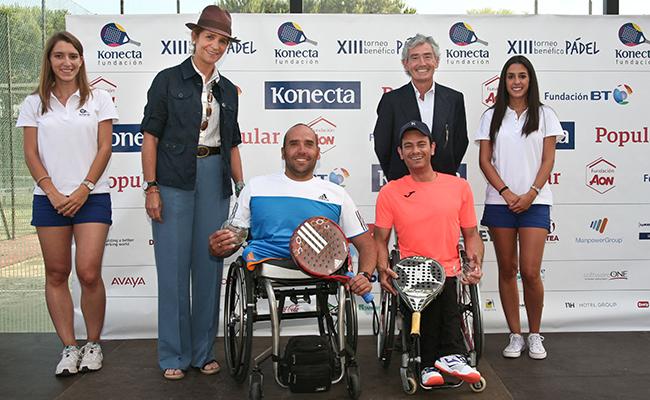 La Infanta Elena y Jose María Pacheco entregan el premio en la categoría adaptada / Konecta