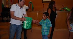 Recibimiento a los niños saharauis en el Ayuntamiento / L.M.