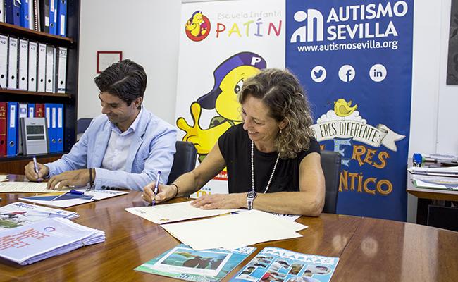 La Presidenta de Autismo Sevilla, Mercedes Molina, y el representante de Escuelas Patín, Iván Borrero / Autismo Sevilla