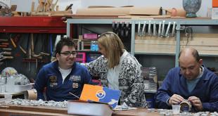 La alcaldesa de Alcalá, Ana Isabel Jiménez en una visita a las instalaciones de Prolaya / ABC