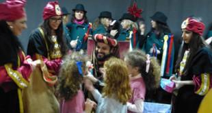 El Arrebato atiende a los niños en el Hospital Foto: Junta de Andalucía