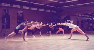 Lourdes Vidal en una de las clases de yoga
