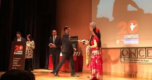 El alcalde de Utrera, José María Villalobos, ha recogido el reconocimiento / ABC