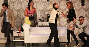 Un momento de la obra «De aquí no se mueve nadie» que se representará en Dos Hermanas / SALES CON ARTE