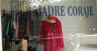 Mercadillo solidario de Madre Coraje en la calle Virgen Valle