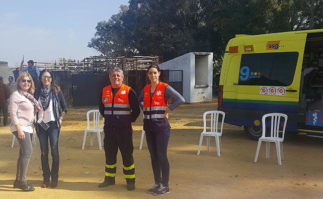 Trabajadores de SSG y organizadoras del evento de Pequeño Deseo