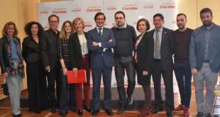 Los responsables de la Fundación Cruzcampo con los representantes de las asociaciones y entidades premiadas - ROCÍO RUZ