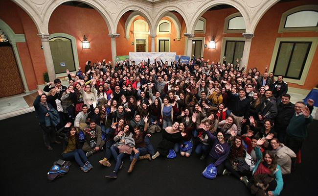 Más de 200 jóvenes descubren el voluntariado en la III edición de  «Tú sí que faltas»