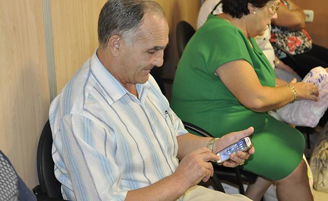 Dominio del Smartphone por las personas mayores para superar la brecha digital