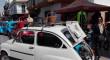 Una exposición de vehículos clásicos en Dos Hermanas recauda cientos de alimentos