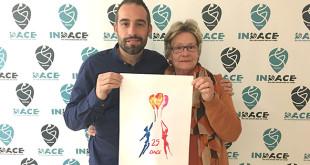 Pablo Gelo, autor del logo, y Maria José González, presidenta de la asociación / DACE