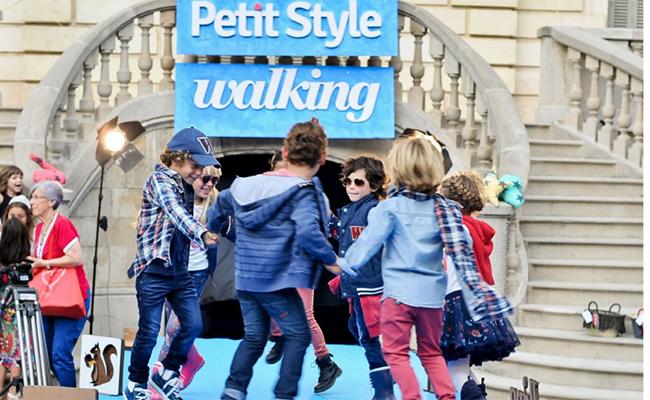 petit-style-walking