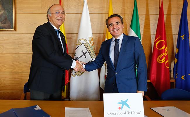 Firma del convenio entre ambas entidades