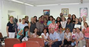 Imagen de familia de todas las personas que han participado en los cursos