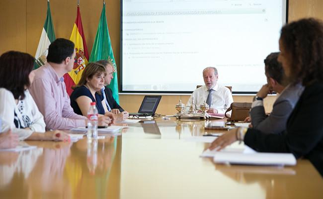 El desarrollo de la Junta de Gobierno sobre el Día de la Provincia / Foto: Diputación de Sevilla