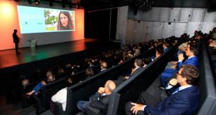 El acto sirvió para estrenar el auditorio del Caixafórum FOTO : Raúl Doblado