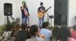 Payasos flamencos y solidarios en el Ropero de la Virgen del Socorro