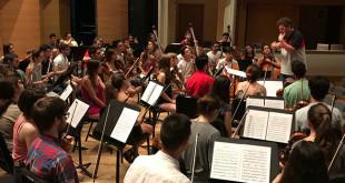 Ensayo de la orquesta con el maestro Hernández Silva / Fundación Barenboim-Said