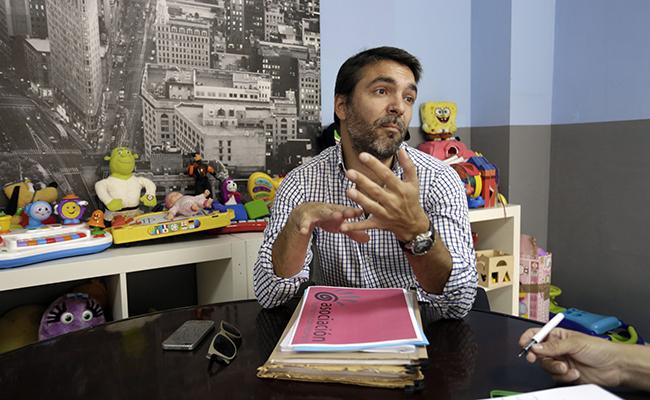 SEVILLA. 20.6.17. Entrevista solidaria a Fernando Parejo, secretario de la Asociacion Humanos con recursos. FOTO: VANESSA GOMEZ. archsev