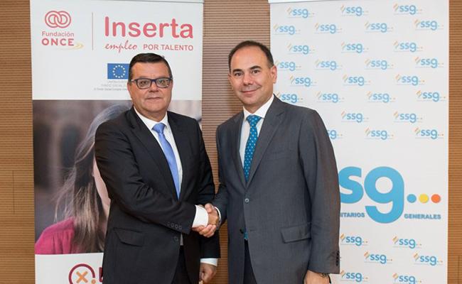 El director general de Fundación ONCE, José Luis Martínez  Donoso, y el Director General de Grupo SSG, Nicolás Almagro