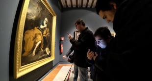 """Visita a la exposición de la Fundación Focus """"Velázquez. Murillo. Sevilla"""" con un grupo de Autismo Sevilla. FOTO: J.M.SERRANO"""
