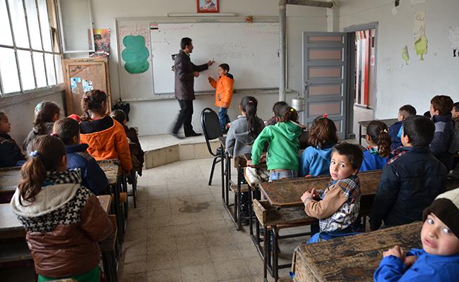 Niños en la escuela Hasan Bin Thabet, en la ciudad siria de Homs / ABC