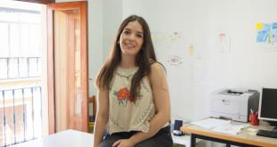 SEVILLA. 20-07-2017.  ENTREVISTA A ROCÍO GALÁN, VOLUNTARIA DEL CENTRO DE APOYO INFANTIL ESPERANZA DE TRIANA. FOTO: LAURA ÁLVAREZ. ARCHSEV.