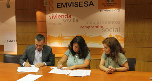 Felipe Castro, gerente de Emvisesa, María Paz Casillas, gerente de la UTE, y Alicia Puerto, coordinadora del proyecto en Sevilla / Ayuntamiento de Sevilla