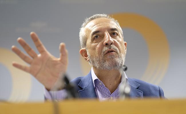 El delegado de Bienestar Social y Empleo, Juan Manuel Flores, en la rueda de prensa FOTO: Pepo Herrera/Ayuntamiento de Sevilla