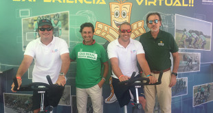 Arturo Montes y Javier Reja, presidente y vicepresidente de la Asociación In junto a representantes de Caja Rural del Sur