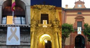 Edificios de la ciudad han colgado el lazo dorado