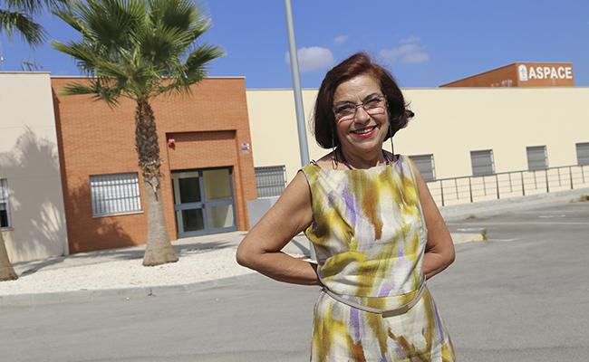 Manuela García en las instalaciones de Aspace en Dos Hermanas / Rocío Ruz
