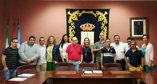 Miembros de la asociación recibidos por la alcaldesa / ABC