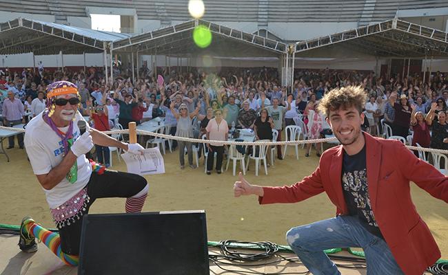 Una veintena de artistas hicieron las delicias de las tres mil personas que acudieron al evento