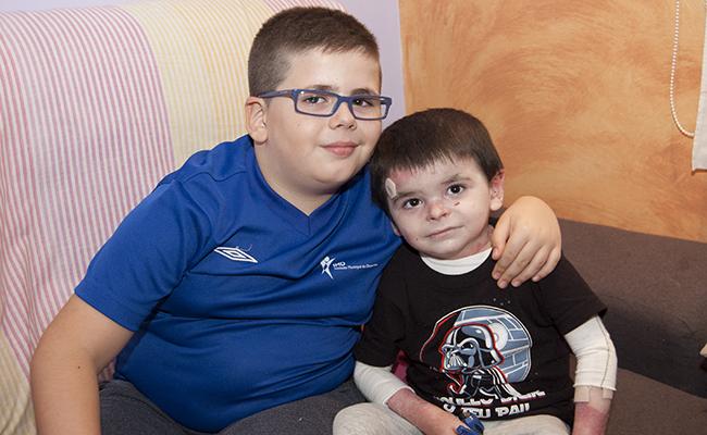 Leo y su hermano Abraham están muy unidos / L.A.