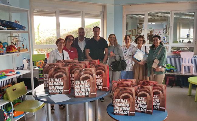 Andex dona 15 tablets para la planta de oncología infantil del Virgen del Rocío