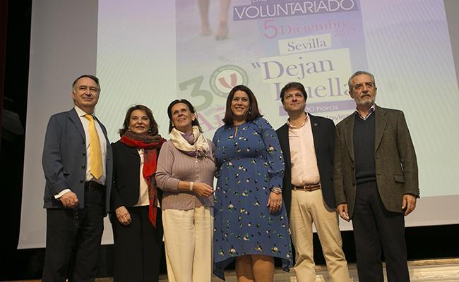 Paco Galván, Ángeles Sepúlveda, Rosa Torres Ruiz, Aurora Gómez Álvarez, Armando Rotea, y Juan Manuel Flores FOTO: MJ LOPEZ OLMEDO