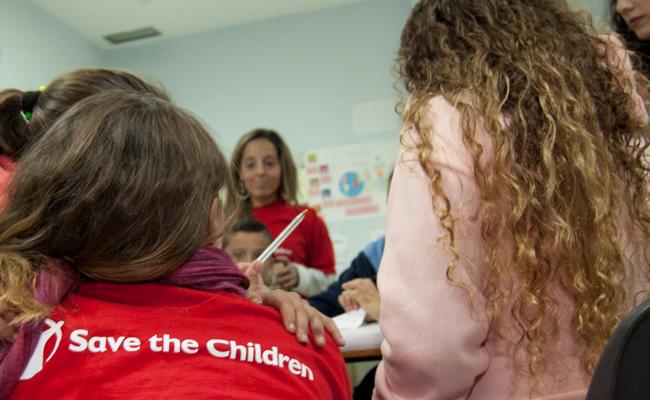 """SEVILLA. 16-11-2017.  PROGRAMA """"LUCHA CONTRA LA POBREZA INFANTIL"""" DE LA ONG SAVE THE CHILDREN EN LOS CARTEROS. FOTO: LAURA ÁLVAREZ. ARCHSEV."""