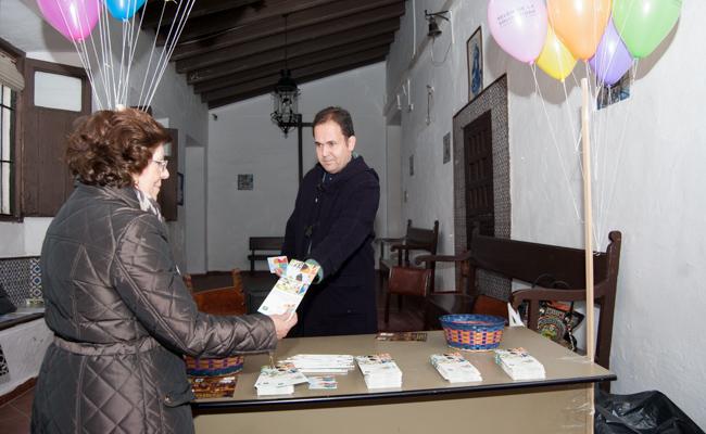 Las asociaciones informan a los visitantes sobre la donación de órganos / L.A.