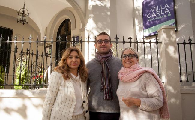Inmaculada, presidenta de la fundación; Álvaro Muñoz, coordinador de la fundación; y María Pérez, profesora y tutora / L.A.