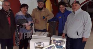 La entrega de alimentos a Cáritas de Santiago de Utrera