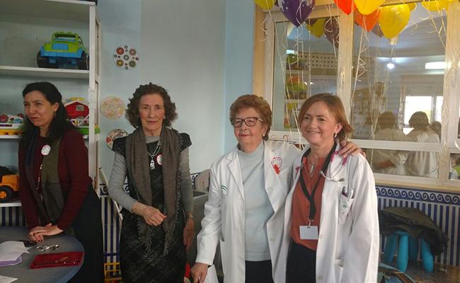 La jefa de oncología pediátrica, Cati Márquez, ha sido una de las homenajeadas