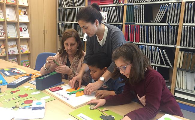 Ocho alumnos de distintos centros educativos de Sevilla han participado en un taller práctico / ONCE
