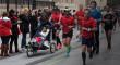 Luis Fernando desea terminar de nuevo el Zurich Maratón de Sevilla corriendo con sus muletas