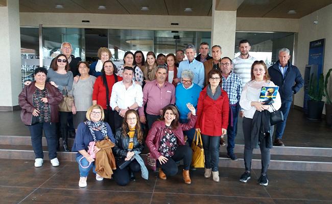 La foto de familia de los participantes en el encuentro