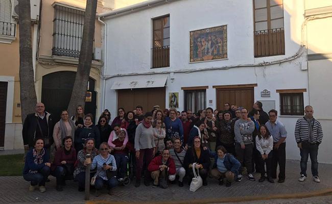 Voluntarios de Pasión acompañaron a usuarios de la Asociación Niños con Amor en una excursión a Puente Genil