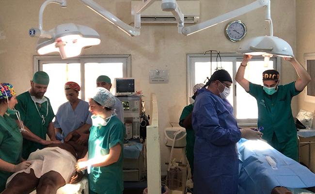 Han viajado hasta Benin un equipo de cirugía, anestesiología y enfermería / Hospital Virgen del Rocío
