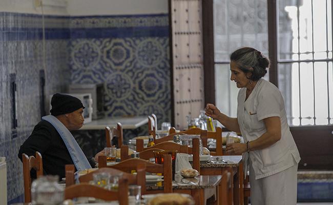 La casa hogar cuenta con un amplio comedor / Raúl Doblado